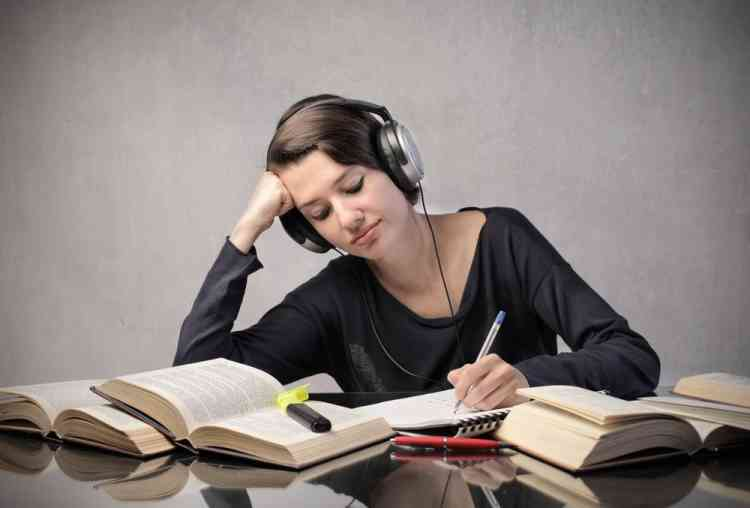 نصائح لتعلم لغة جديدة في المنزل وبدون كورسات