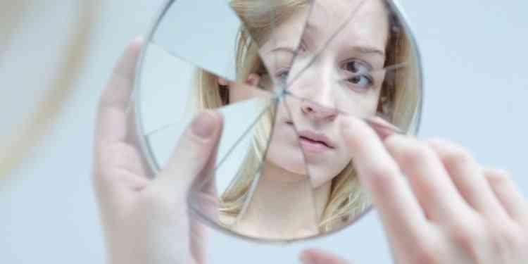 14 سلوكا تدمر ثقتنا بأنفسنا في العمل والحياة اليومية