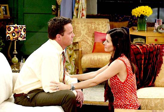 7 دروس من علاقة مونيكا وتشاندلر في مسلسل فريندز