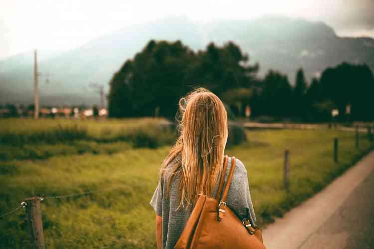 7 نساء يشاركن أشياء بسيطة ساعدتهن في تخطي الانفصال