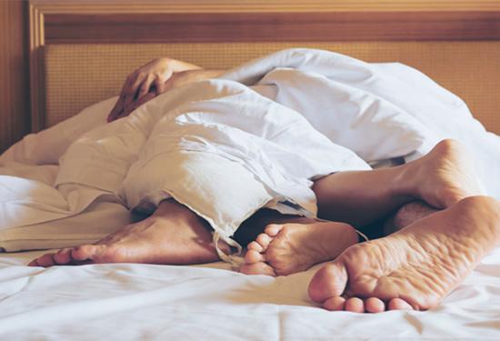 8 شائعات خاطئة لا تصدقينها عن العلاقة الحميمة