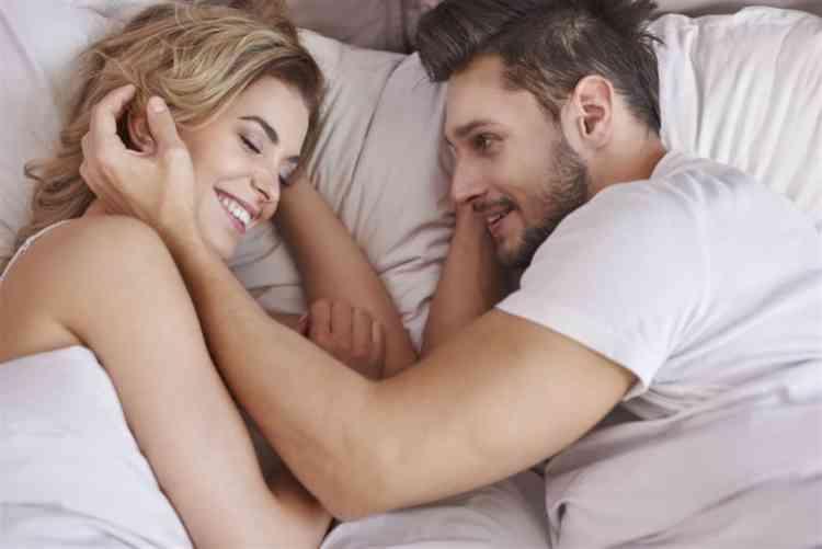 8 علامات تشير إلى رضا المرأة عن العلاقة الحميمة
