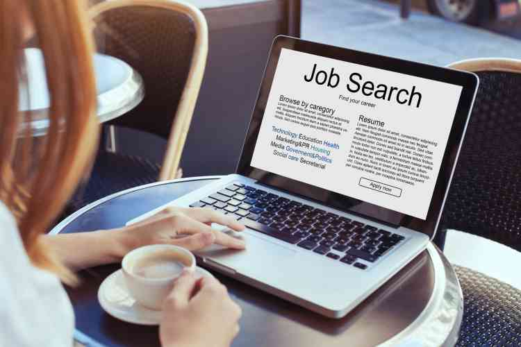 8 مواقع توظيف عربية للبحث عن فرص عمل بالخارج