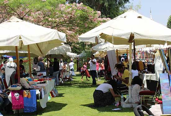 90 عارضة  في هيلوبوبليس بازار بمنتجات مصنوعة يدويا