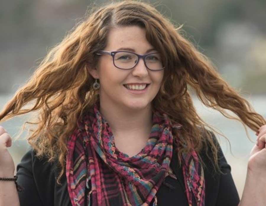 أسباب تساقط الشعر عند النساء وطرق الوقاية