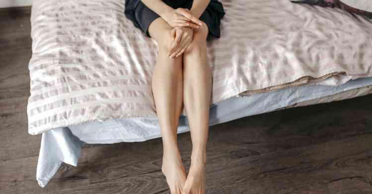 أسباب سخونة القدمين وكيفية العلاج