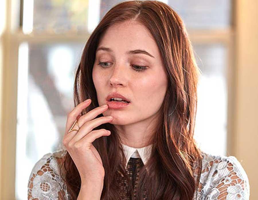 أسباب وعلاج الاسمرار حول الفم ووصفات طبيعية للتفتيح