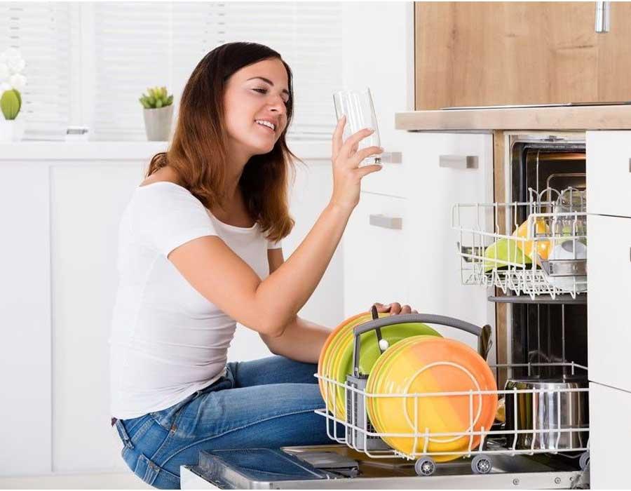 أفضل أنواع غسالات الأطباق لتتخلصين من العناء