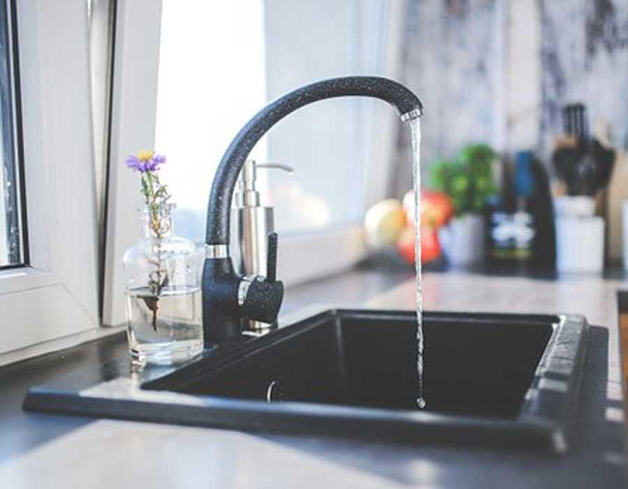 أفضل أنواع فلاتر المياه التي تضمن لك مياه نظيفة