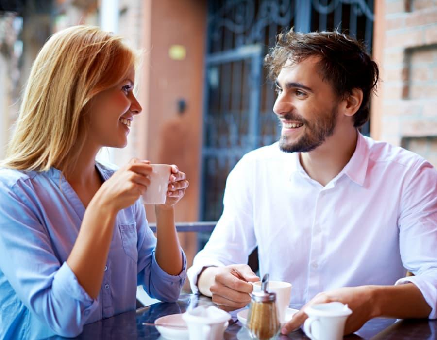 أفضل المجاملات التي تحب النساء سماعها وكذلك أسوأها