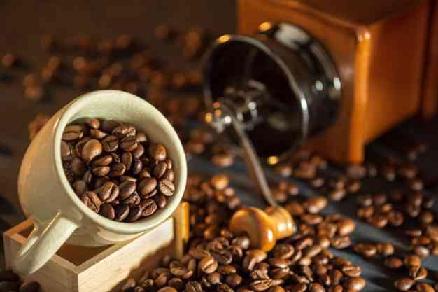 أفضل مطحنة قهوة منزلية لإعدادها بمذاق لا يقاوم