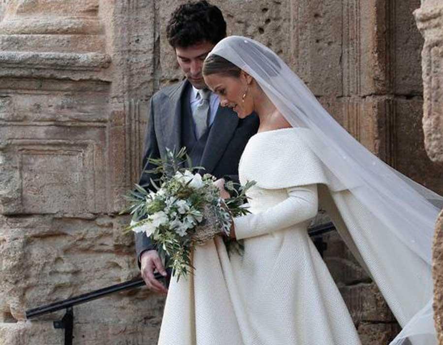 أفكار فساتين زفاف تُناسب عروس الشتاء