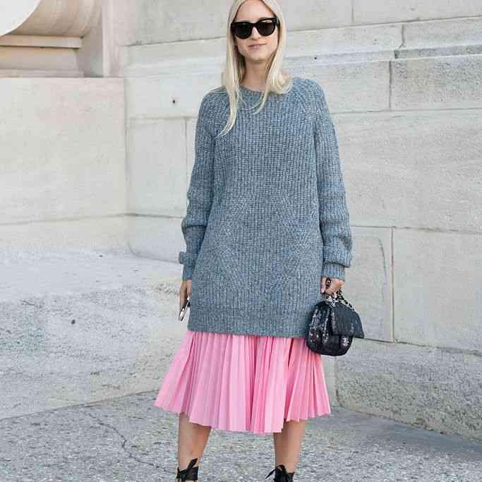 أفكار لتنسيق اللون الرمادي في الملابس