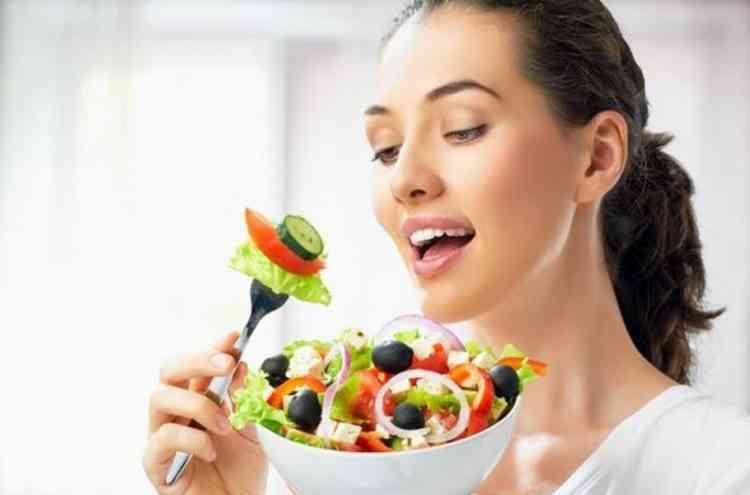 أكلات تقلل حموضة المعدة وتجنبك آلامها المزعجة