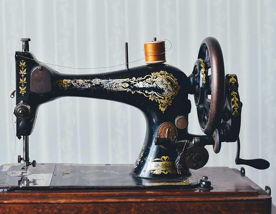 أنواع ماكينات الخياطة التي يمكنك شراؤها