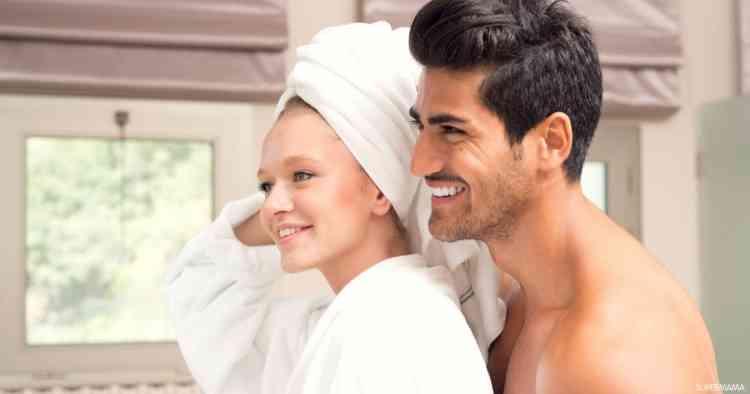 أهم فوائد استحمام الزوجين معًا لعلاقة حميمة أفضل