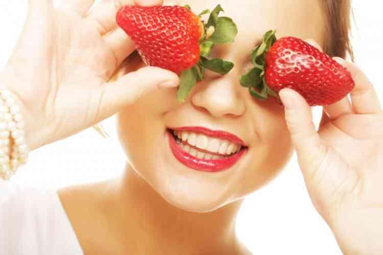 أهم فوائد الفراولة للصحة وجمال شعرك وبشرتك