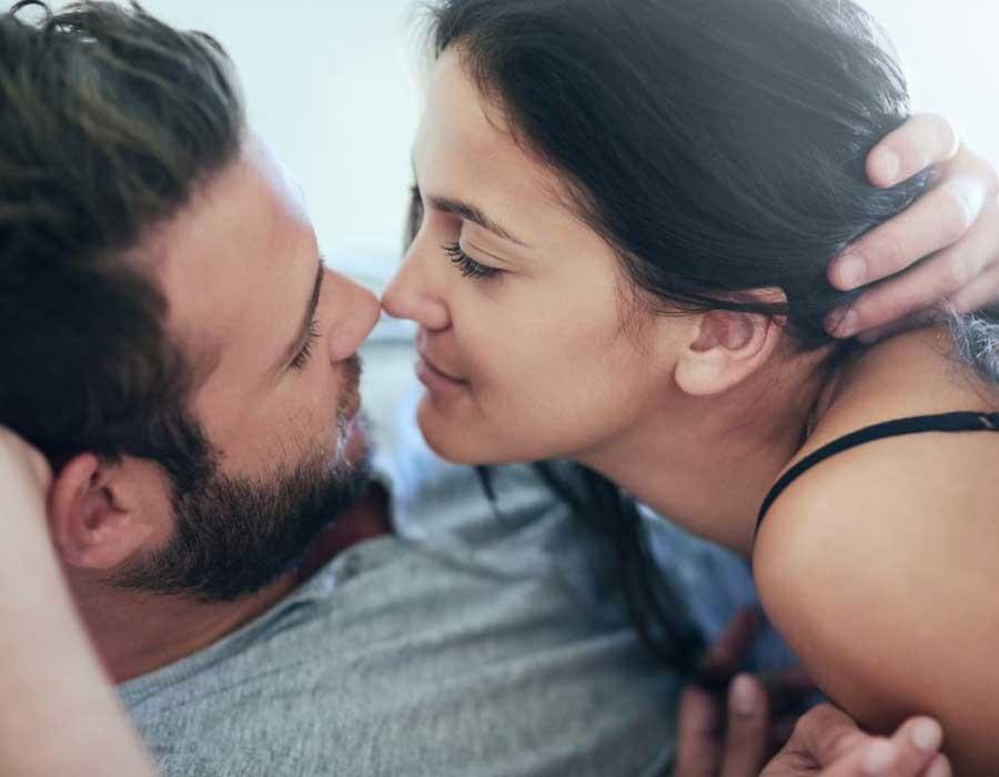 36531ada0 الأربعاء ١٥ أغسطس ٢٠١٨ أوضاع جنسية مثيرة لتجديد العلاقة الحميمة بين الزوجين