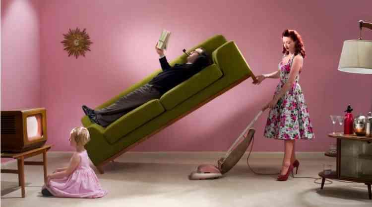 الأدوار النمطية للنساء.. قيد مجتمعي يصعب التحرر منه