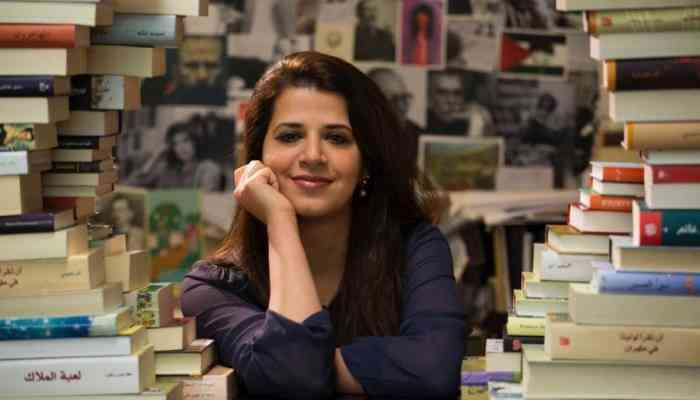 بثينة العيسى كاتبة كويتية تتمرد على الواقع