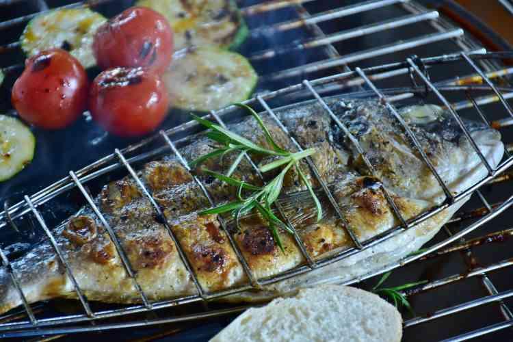 تتبيلة السمك المشوي بأكثر من وصفة لطعم شهى