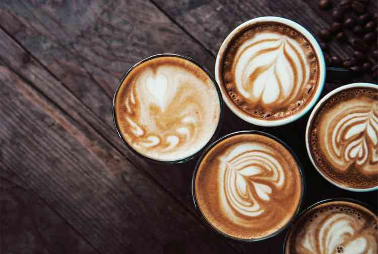 تخل صي من الإحراج أمام منيو الكافيهات وتعر في على أنواع القهوة ومسم ياتها احكي