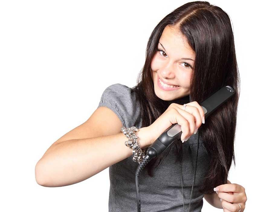 تعرفي على أفضل أنواع مكواة الشعر