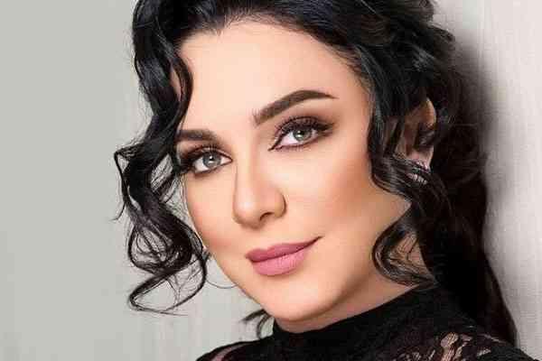 سلاف فواخرجي أداء قوي وجريء جعلها من أهم ممثلات سوريا