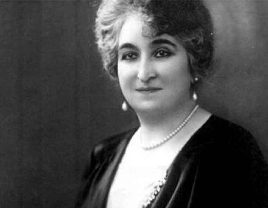 صفية زغلول زوجة مناضل وأم للمصريين ومناصرة للمرأة