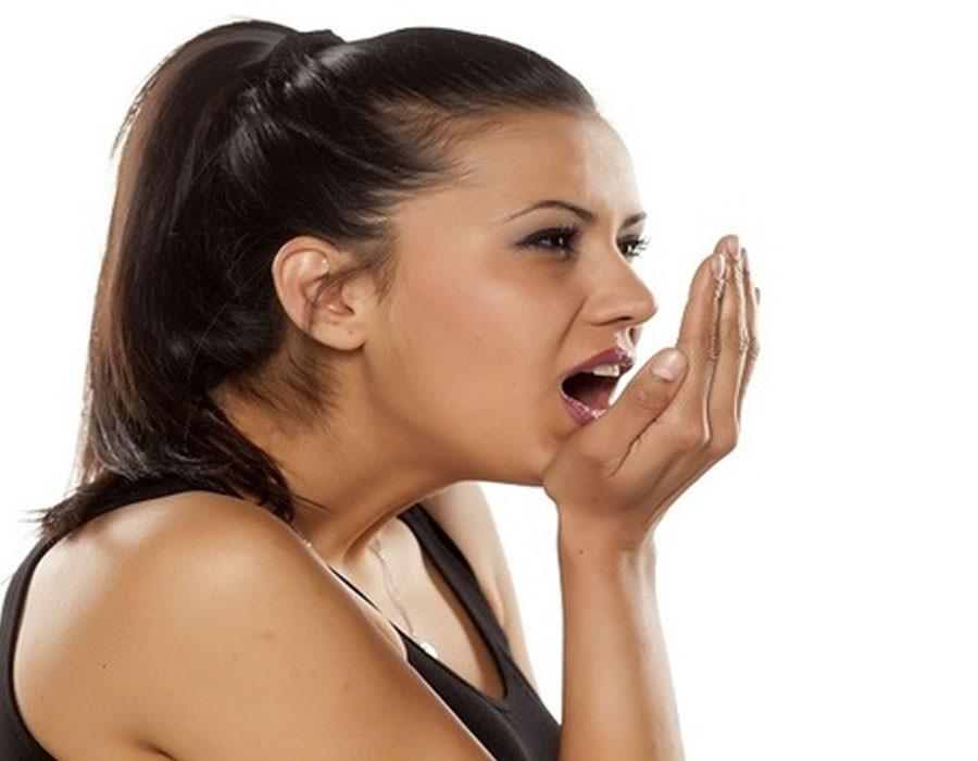 طرق للتخلص من رائحة الفم في رمضان