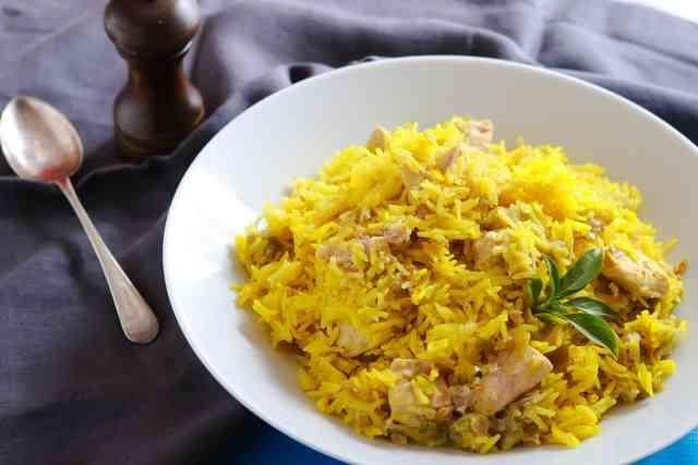 طريقة عمل الأرز البسمتي بالفراخ لسفرة شهية متنوعة