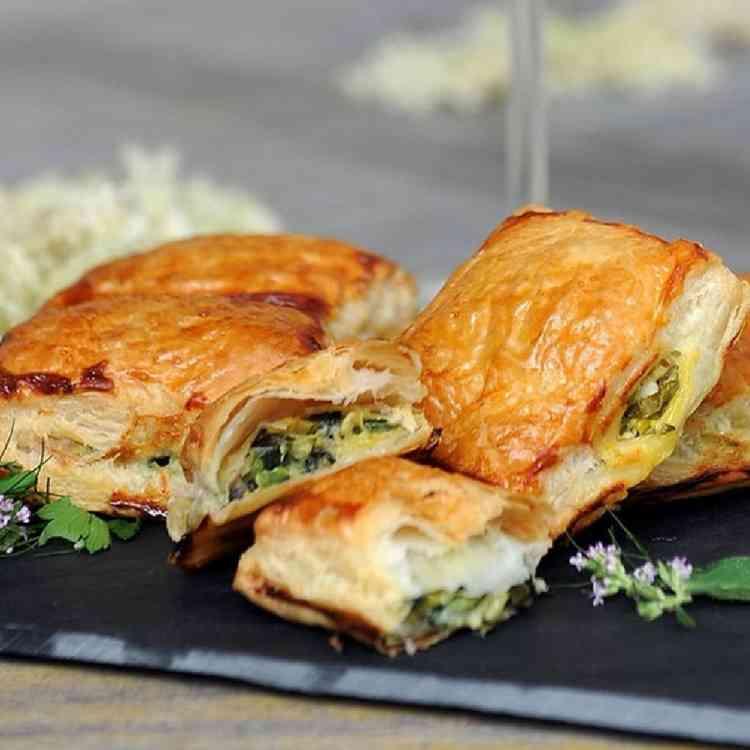 طريقة عمل الجلاش بالجبنة بخطوات بسيطة لمذاق شهي