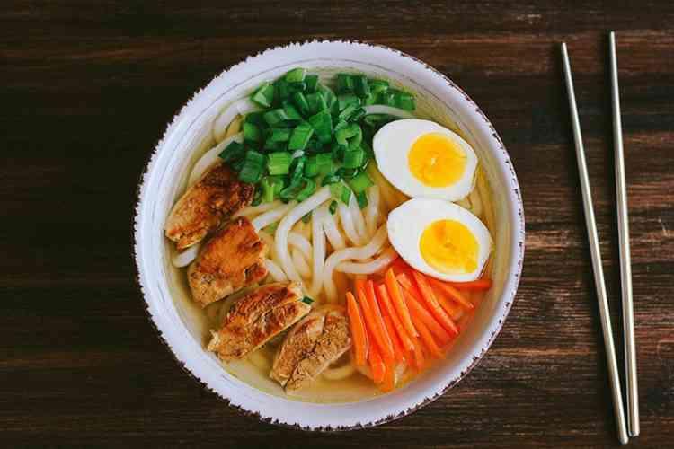 طريقة عمل الرامن الكوري لسفرة شهية متجددة