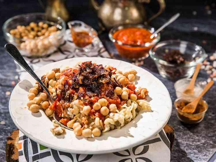 طريقة عمل الكشري المصري بالخطوات وكل حيل المطاعم