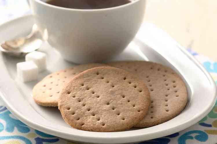 طريقة عمل بسكويت الشاي بوصفات سهلة وشهية