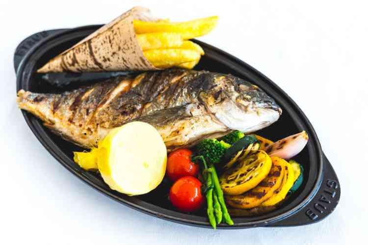 طريقة عمل سمك التونة لوجبة بحرية رائعة على سفرتك