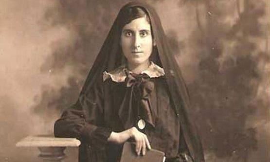 عائشة التيمورية.. أديبة هجرت الشعر بعد وفاة ابنتها