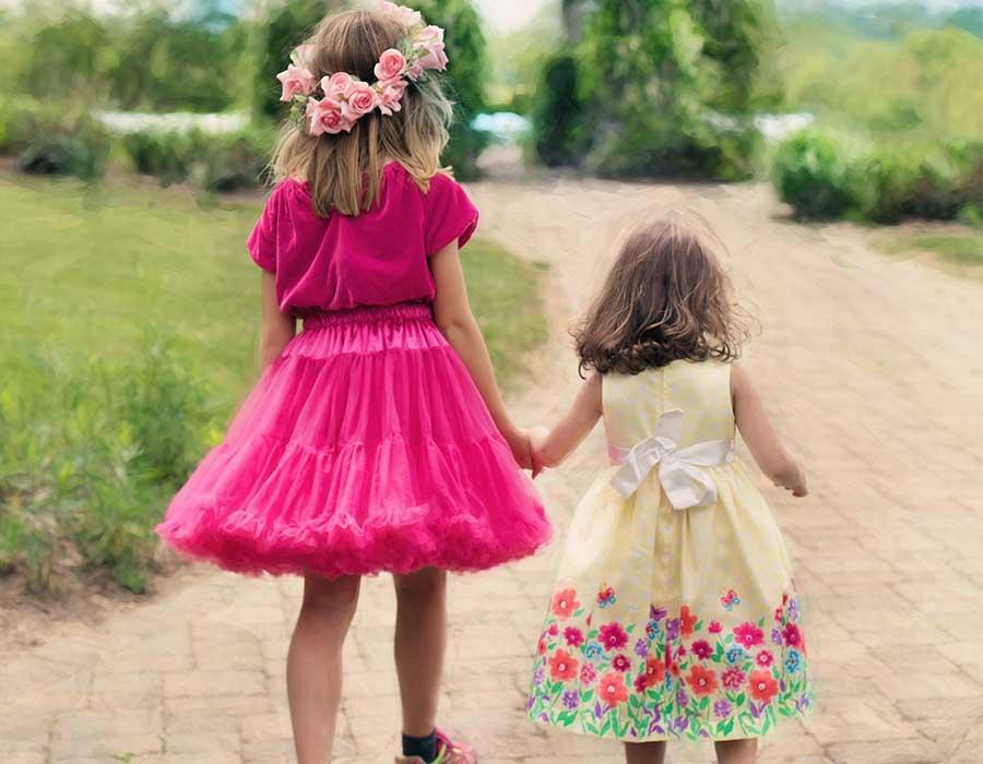 فساتين أطفال تناسب أعمارهم وتتماشي مع المناسبات