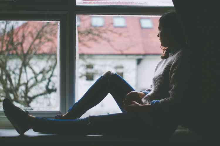كيف تتجاوزين الفقدان والحزن وتتقبلين الواقع