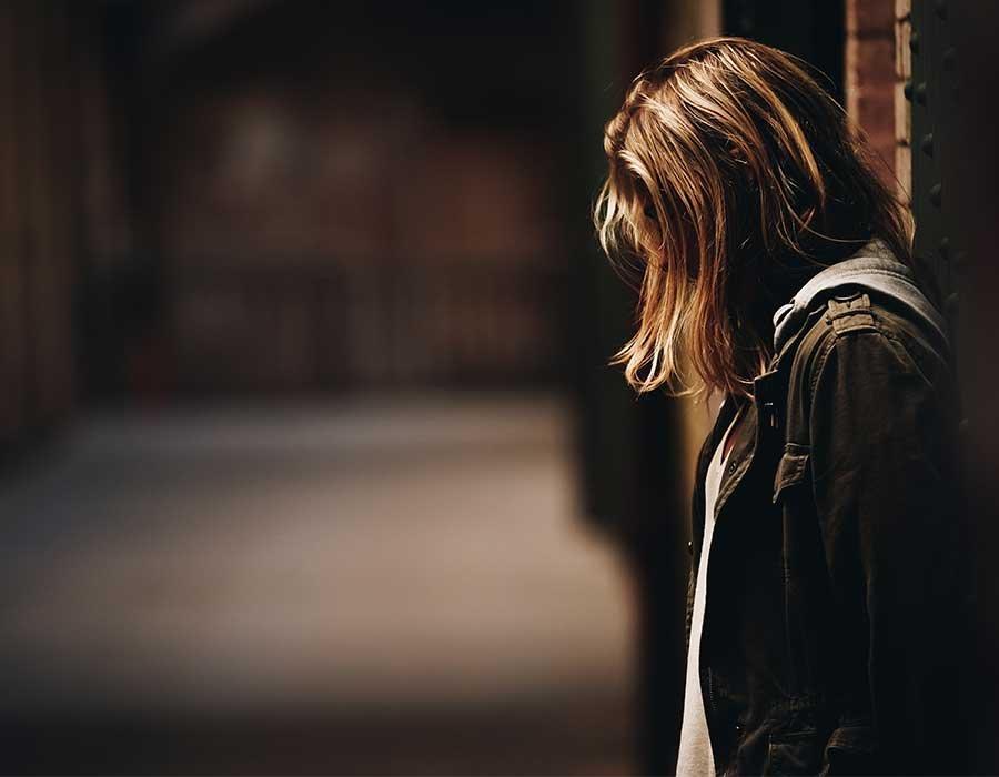 كيف تتعامل مع شخص يقلل من قيمتك ولا يقدرك احكي