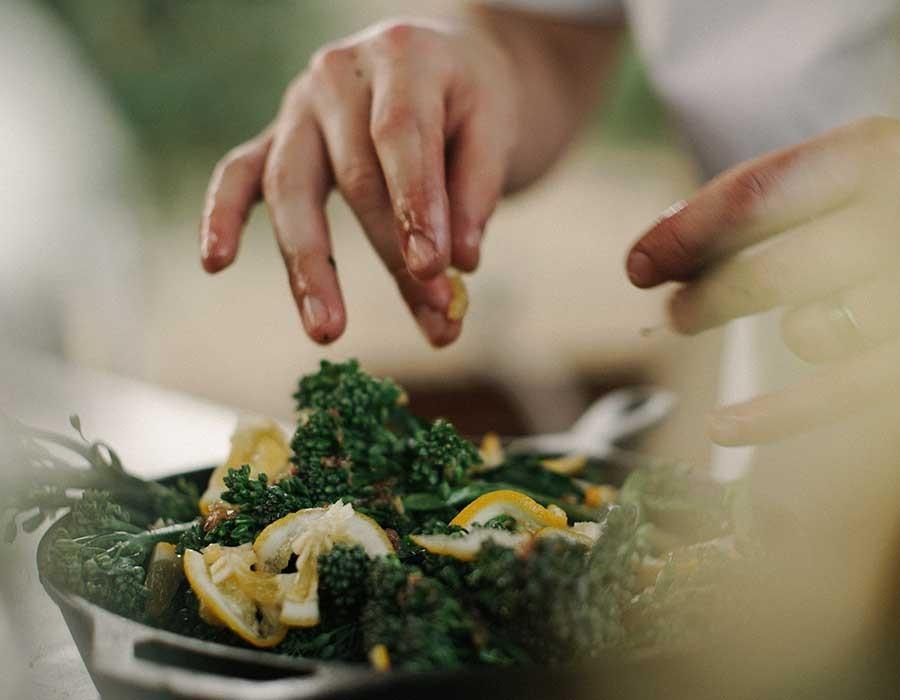 كيف تصنع مشروعا مربحا معتمد على الطبخ