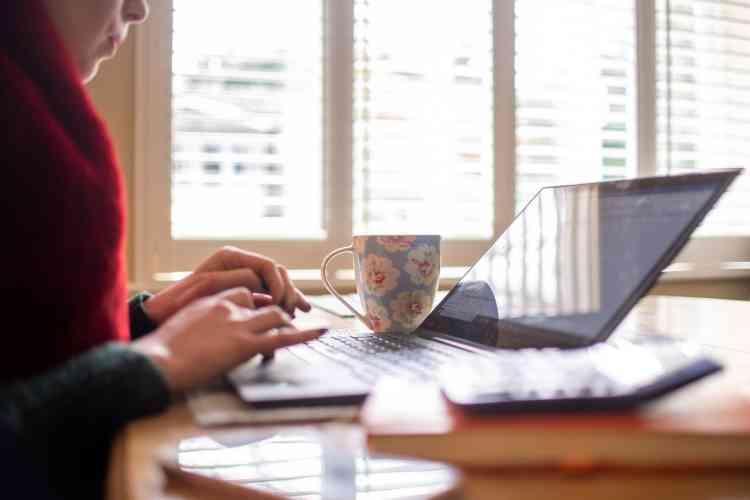 كيف تغيرت وجهة نظر الشركات تجاه العمل من المنزل؟