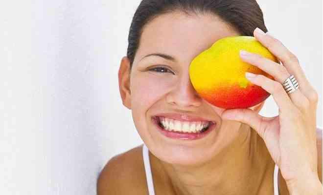 ماسك المانجو وفوائده للحد من بقع البشرة وترطيبها