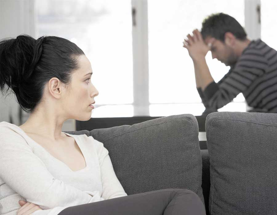 ما هي العوامل التي تؤثر على العلاقة الحميمة