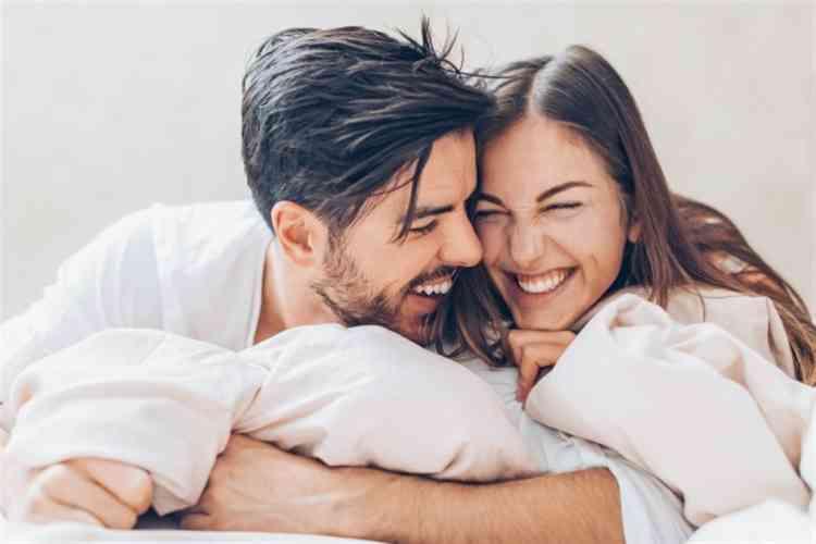 هل هناك أوقات تفضل فيها المرأة ممارسة العلاقة الحميمة؟