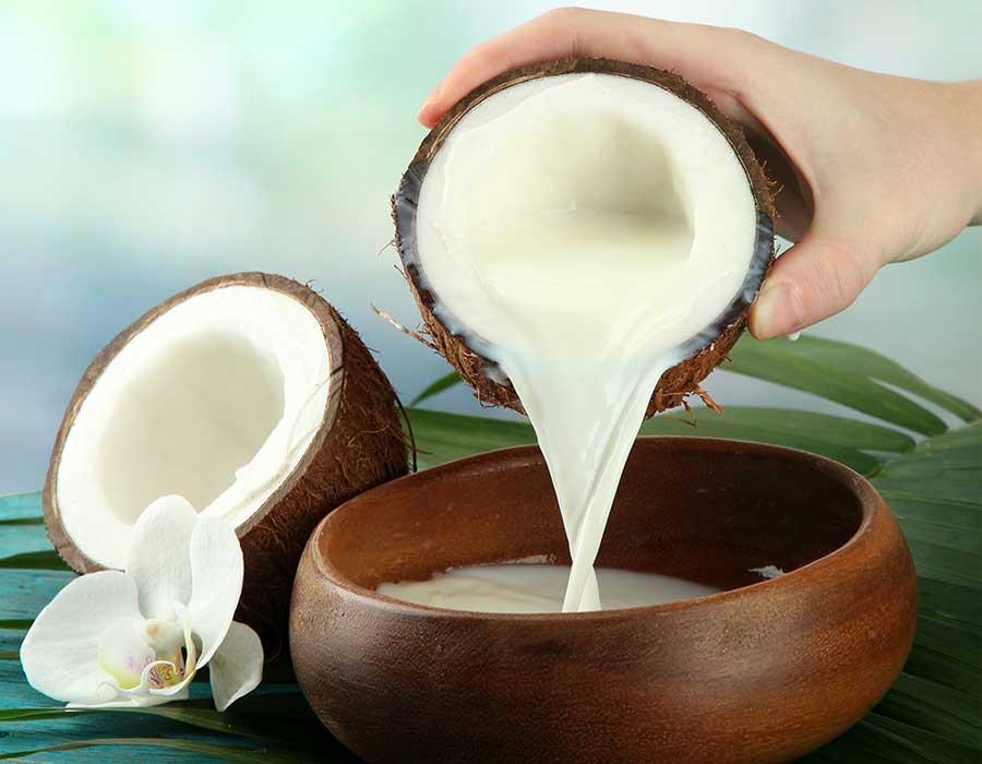 وصفات طبيعية للبشرة بحليب جوز الهند ستُحبين تجربتها
