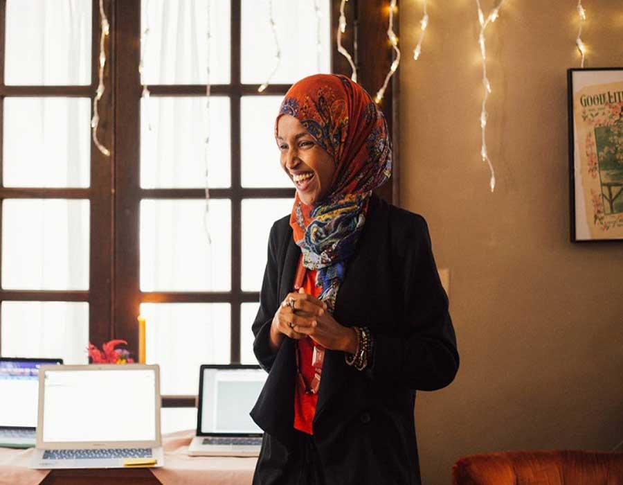 """""""إلهان عُمر"""".. مشوار طويل بدأ من الصومال إلى الكونجرس"""