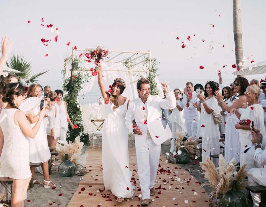 b3b53abc4 الثلاثاء ٢٨ مايو ٢٠١٩ 10 خطوات لعمل زفاف على شاطئ البحر ليوم لا ينسى