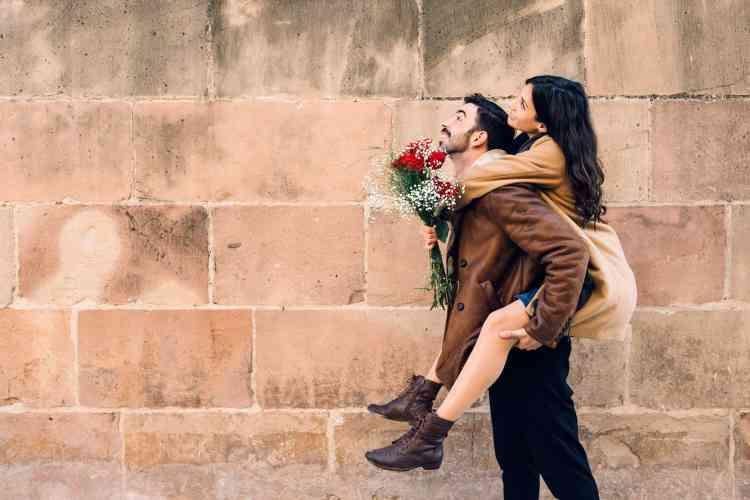10 علامات تدل على وقوع رجل برج القوس في الحب