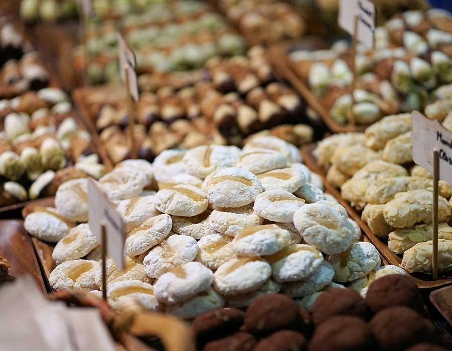أسعار الكحك والبسكويت من أشهر المحلات